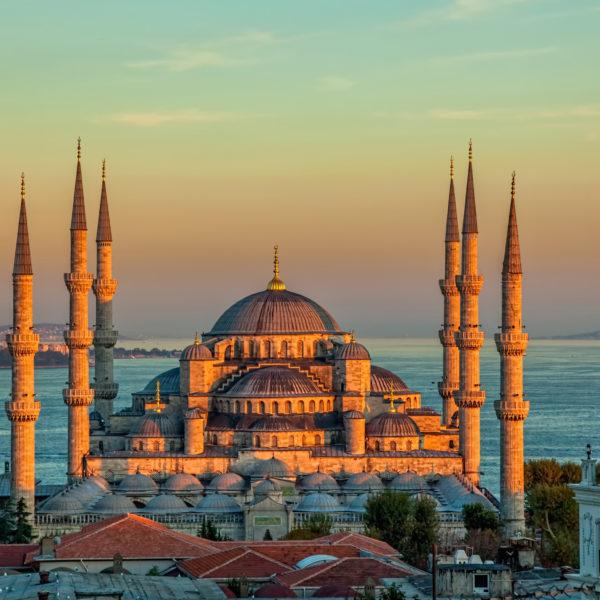 stambul-turtsiia-golubaia-mechet-sultanakhmet-khram-dvorets