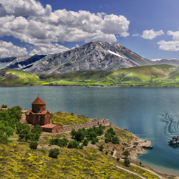 ozero-sevan-armeniya